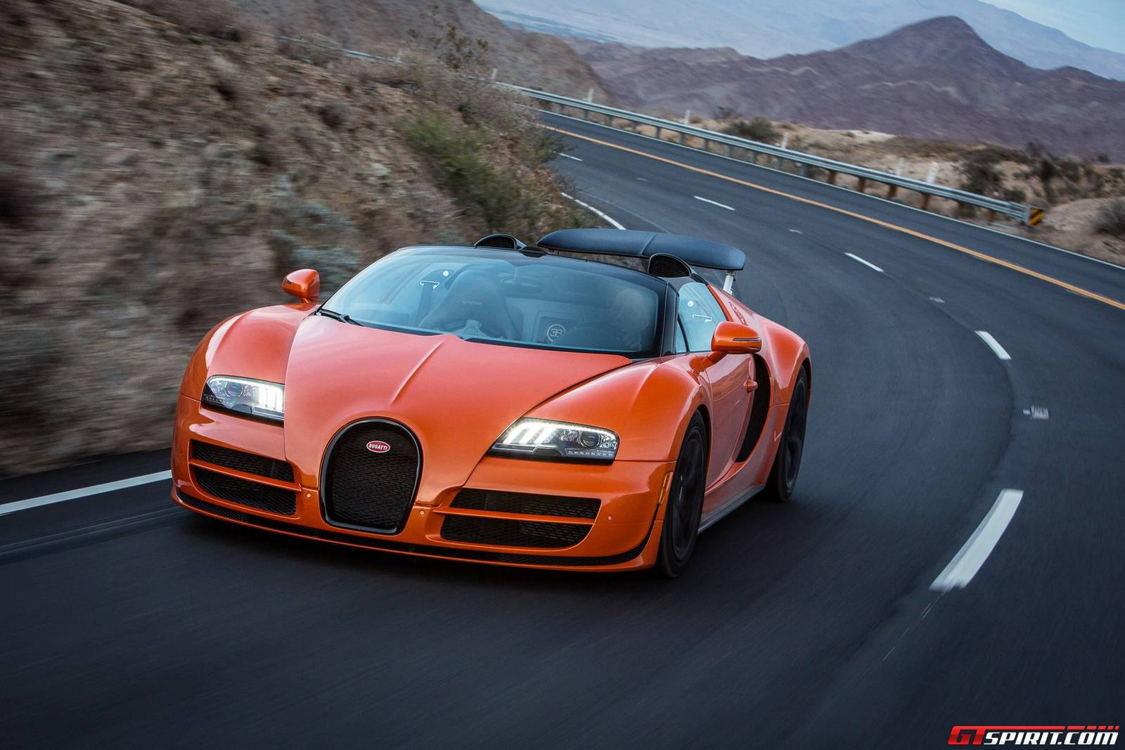 bugatti dynamic drive experience in palm springs route 74 gtspirit. Black Bedroom Furniture Sets. Home Design Ideas