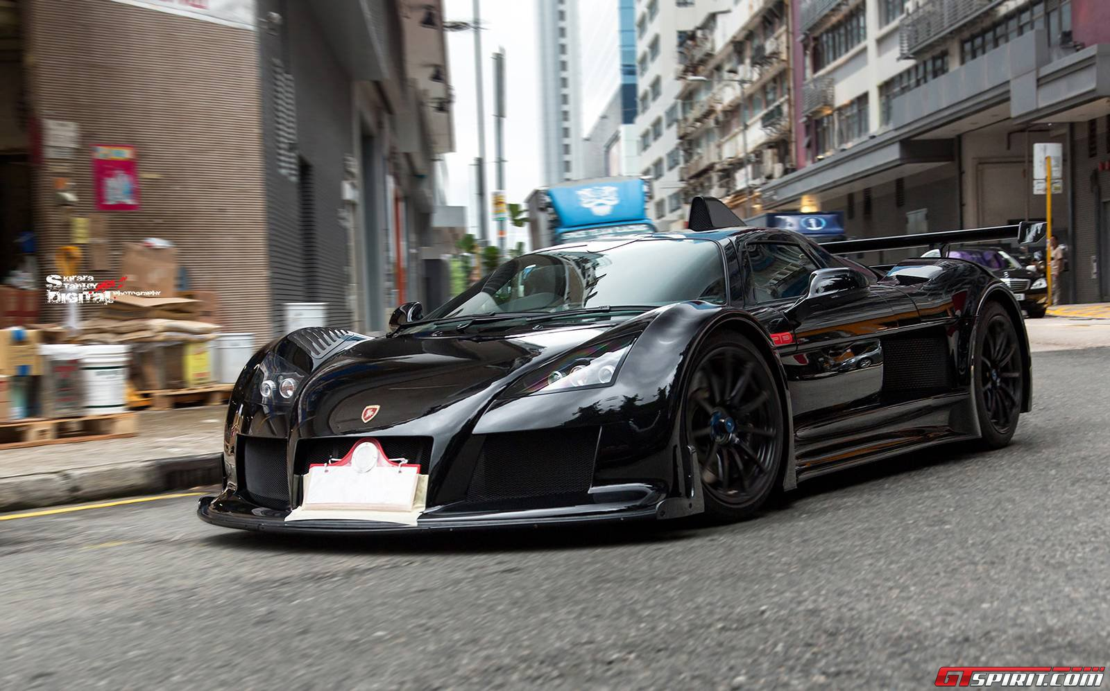 black gumpert apollo s in hong kong gtspirit. Black Bedroom Furniture Sets. Home Design Ideas