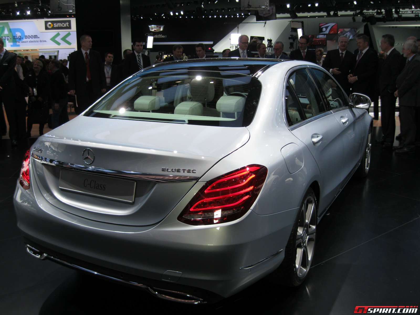 detroit 2014 mercedes benz c class gtspirit. Black Bedroom Furniture Sets. Home Design Ideas