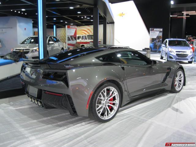 Detroit 2014: Grey Corvette Z06
