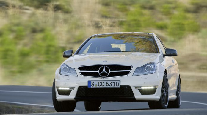 50 Cent Does Burnouts in Mercedes-Benz C63 AMG Black Series