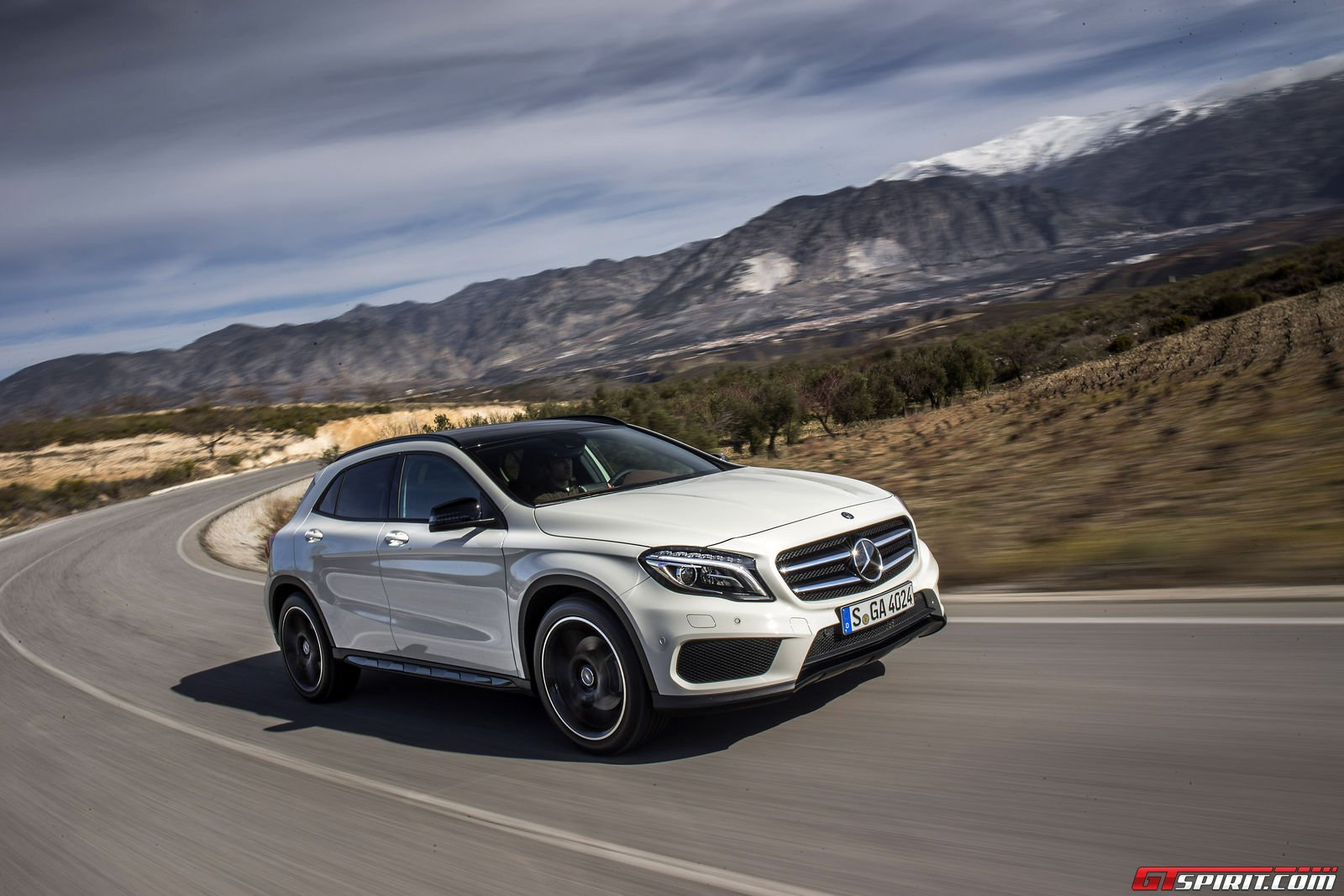 Road test 2015 mercedes benz gla 45 amg edition 1 review for Mercedes benz gla class 250