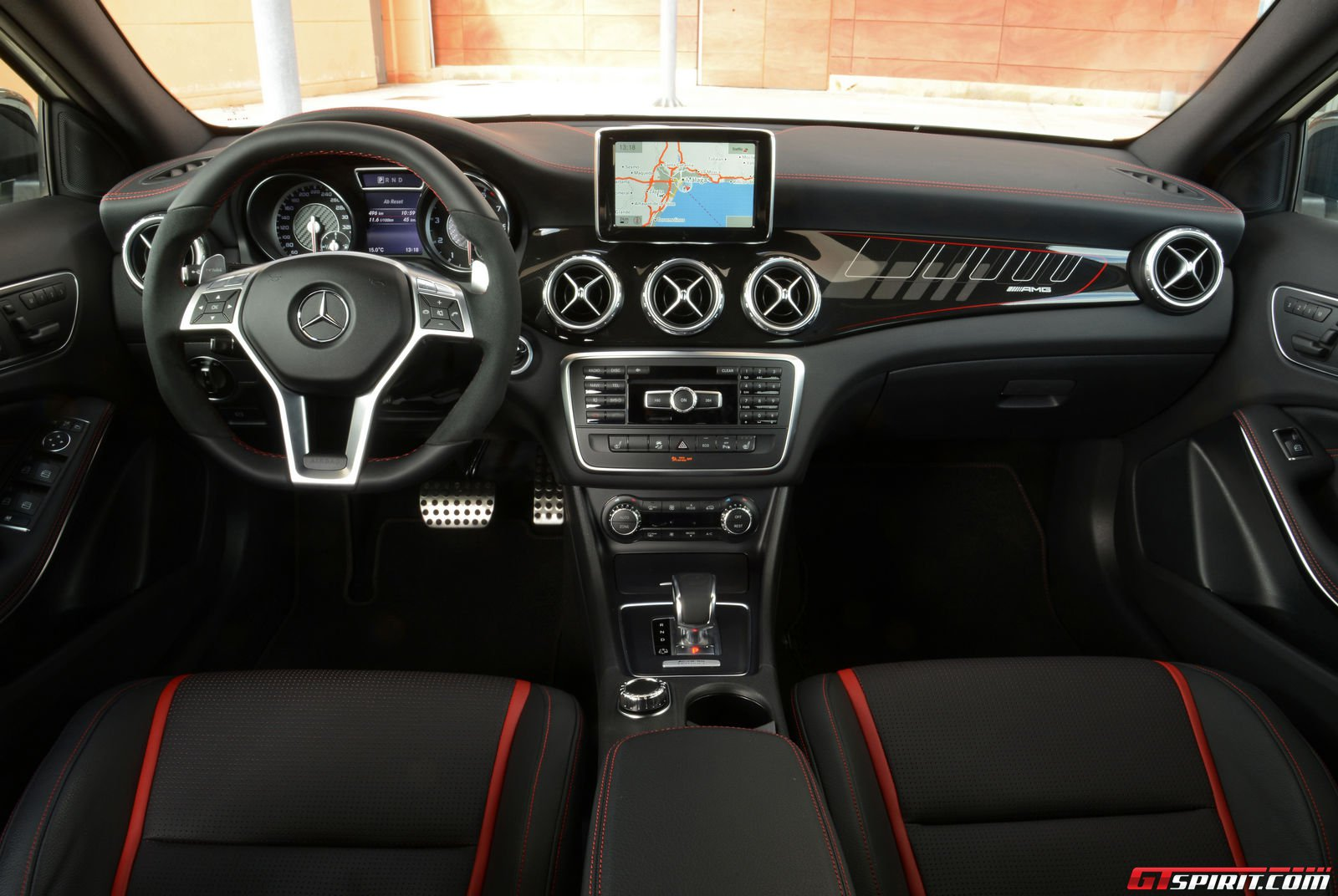 Road test 2015 mercedes benz gla 45 amg edition 1 review for Artico interieur
