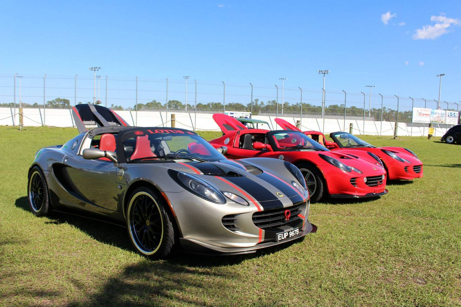 Gallery: British Car Show and Winner's Circle - GTspirit