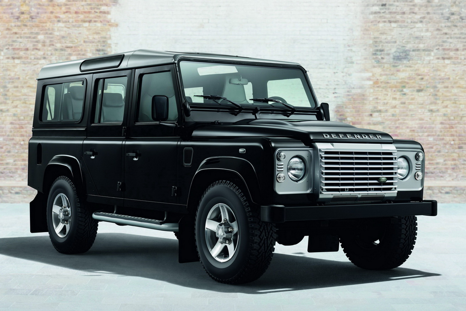 Official Land Rover Defender Black Pack And Silver Pack