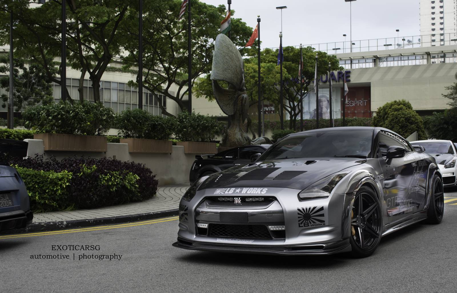 spotted liberty walk nissan gt r in singapore gtspirit. Black Bedroom Furniture Sets. Home Design Ideas