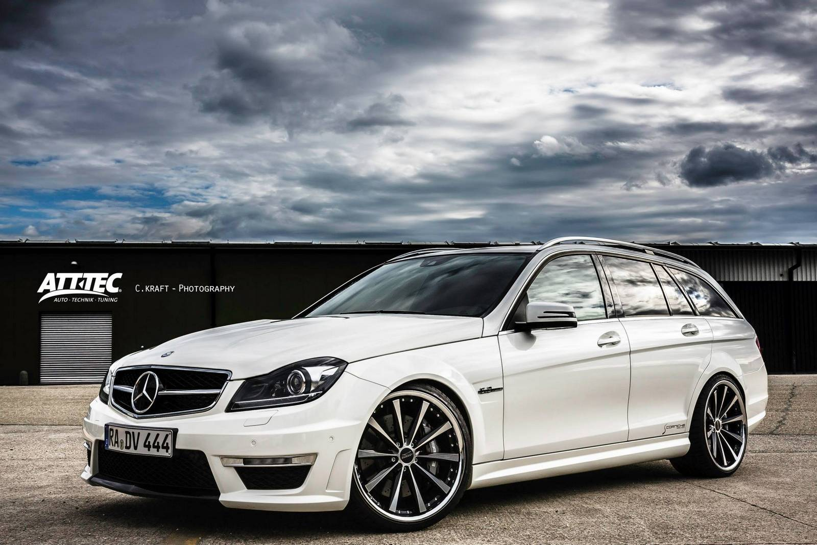 Mercedes benz c 63 amg estate by att tec gmbh gtspirit for Pictures of a mercedes benz