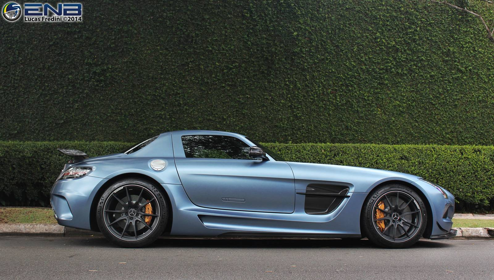 Sls Black Series >> Photo Of The Day Yosemite Blue Mercedes Benz Sls Amg Black
