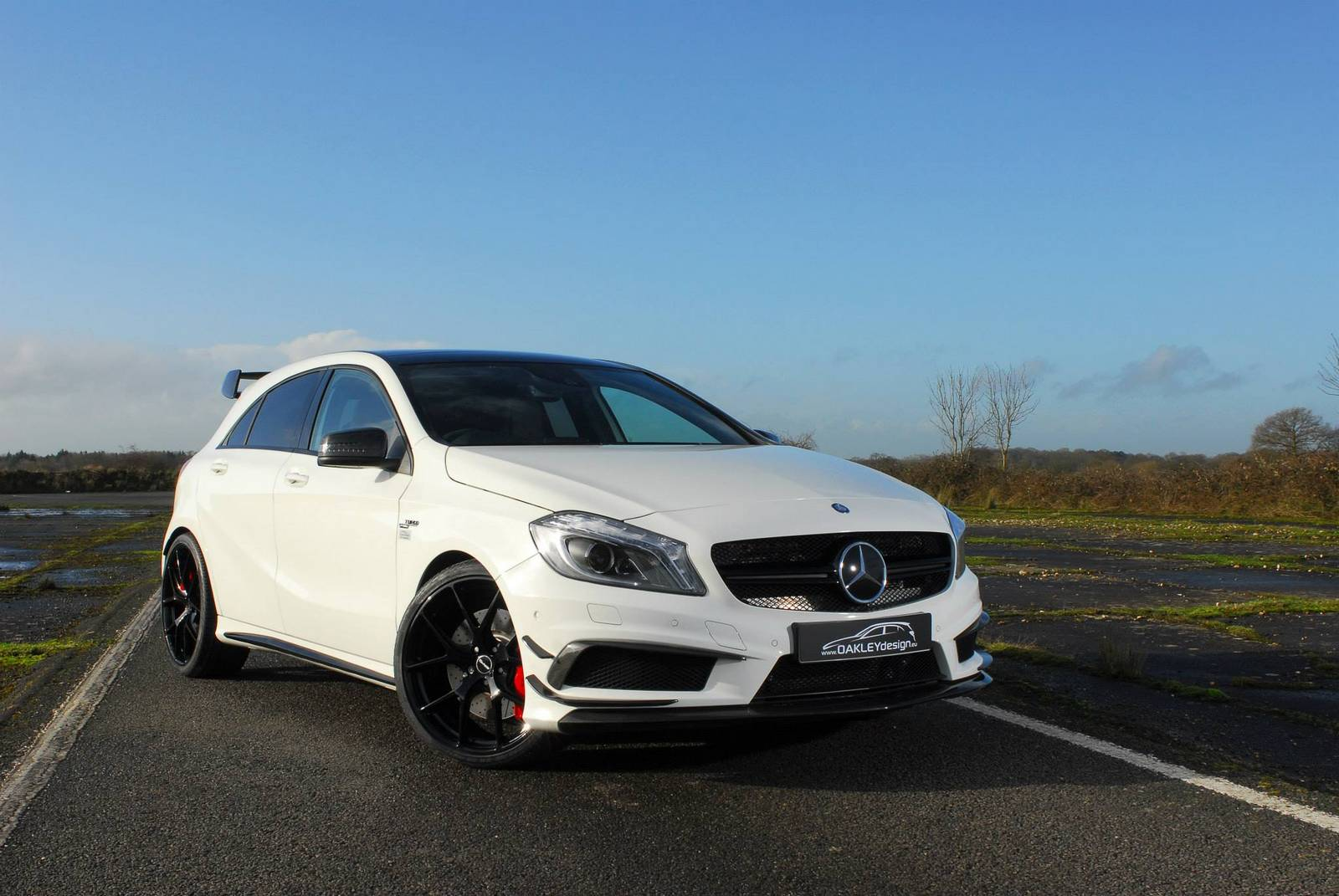 Mercedes benz a45 amg 420 4 carbon edition by oakley for Mercedes benz amg a45