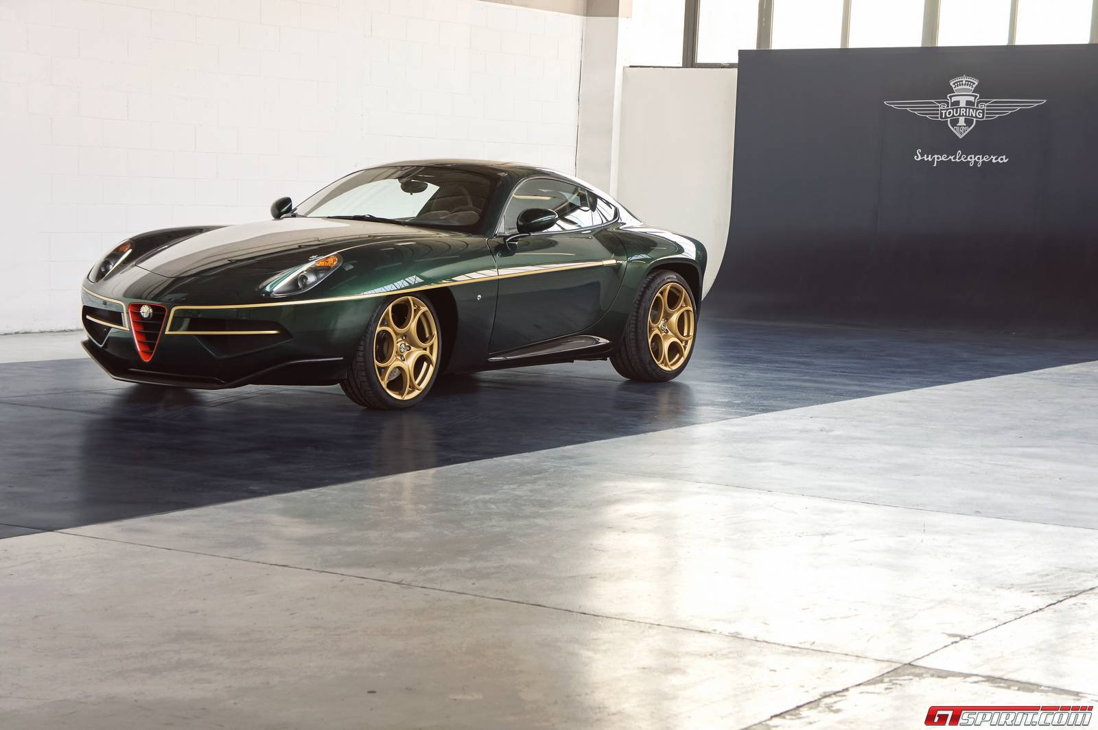 green alfa romeo disco volante by touring superleggera. Black Bedroom Furniture Sets. Home Design Ideas