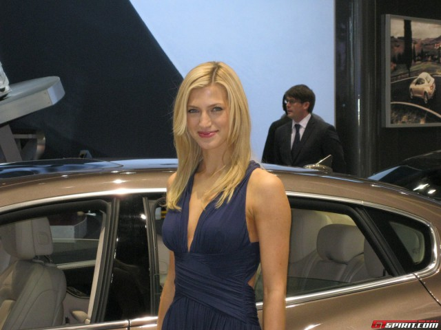 Girls of the 2014 Chicago Auto Show