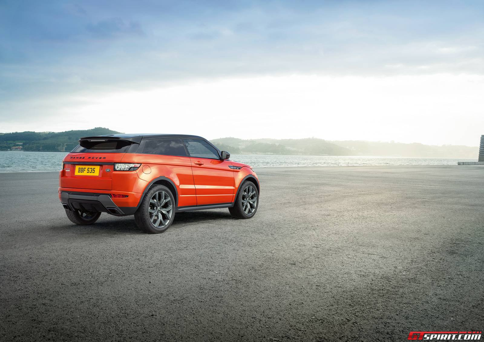official 2015 range rover evoque autobiography and autobiography dynamic gtspirit. Black Bedroom Furniture Sets. Home Design Ideas