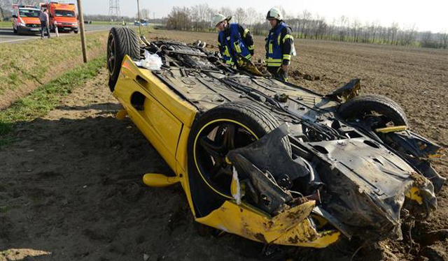 Yellow Ferrari F355 Crashes in Germany