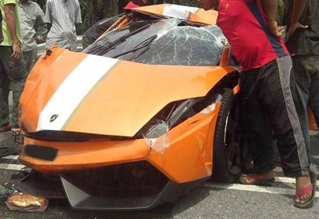 Rare Lamborghini Gallardo LP550-2 MLE Destroyed in Malaysia
