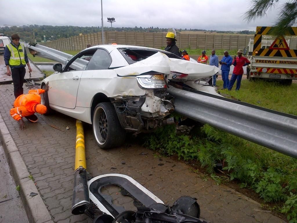 Guard Rail Pierces Through Bmw 335i In Horrific Crash Gtspirit