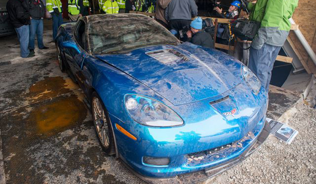Chevrolet Corvette ZR1 Blue Devil Pulled From Sinkhole