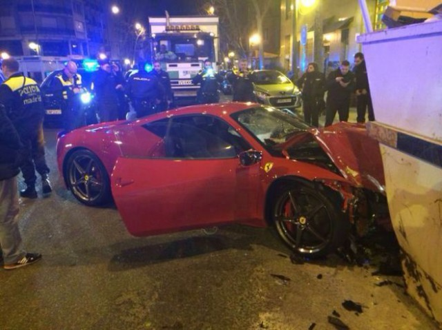 Ferrari 458 Italia Crashes in Madrid Spain