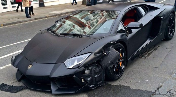 Black Lamborghini Aventador Crashes in London
