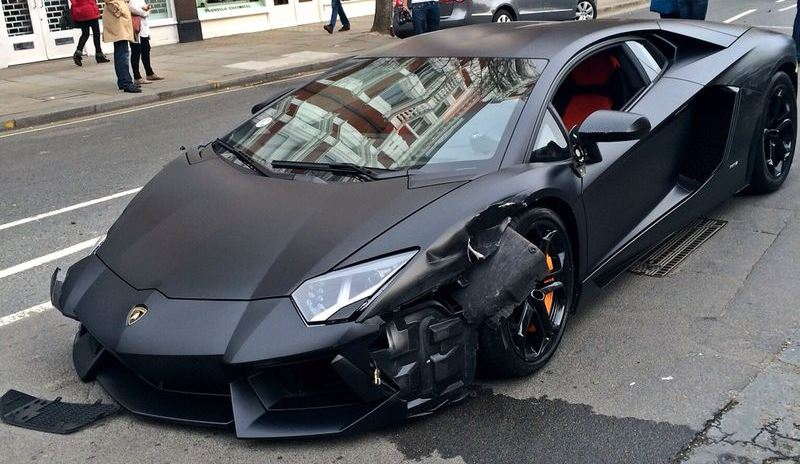 matte black lamborghini aventador crashes in london gtspirit. Black Bedroom Furniture Sets. Home Design Ideas