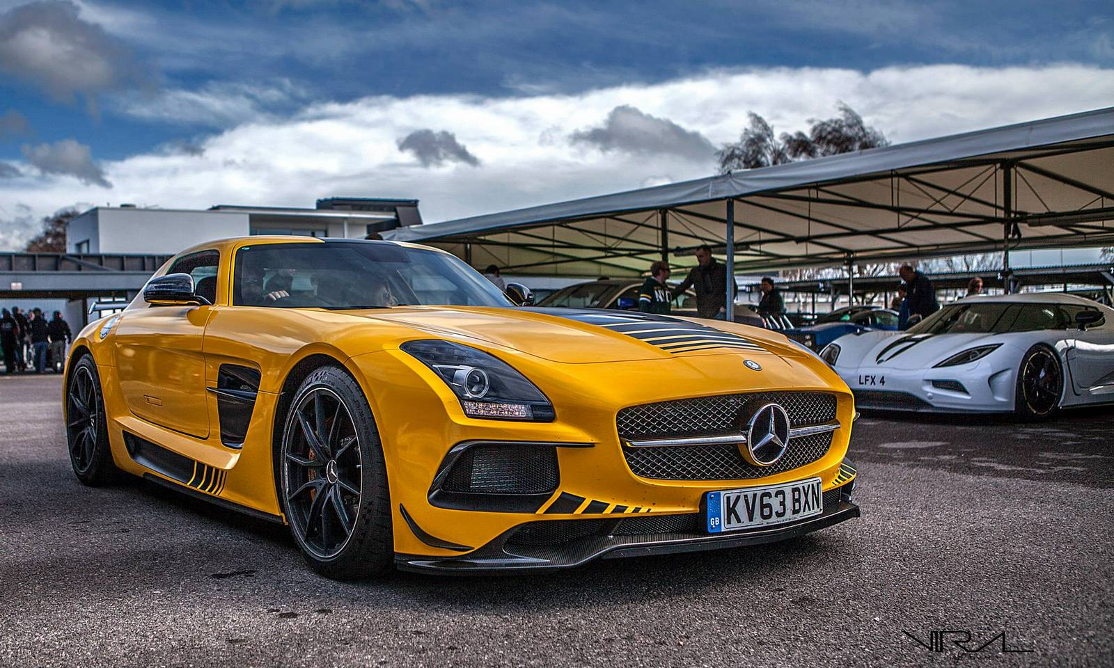 yellow mercedes benz sls amg black series gtspirit. Black Bedroom Furniture Sets. Home Design Ideas