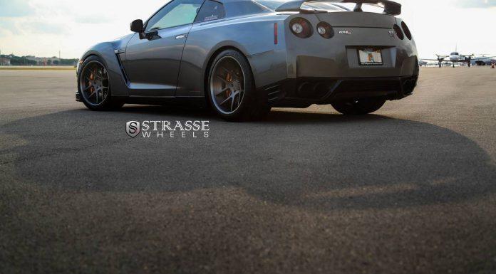 Alpha 7+ Nissan GT-R Black Edition with Strasse Wheels
