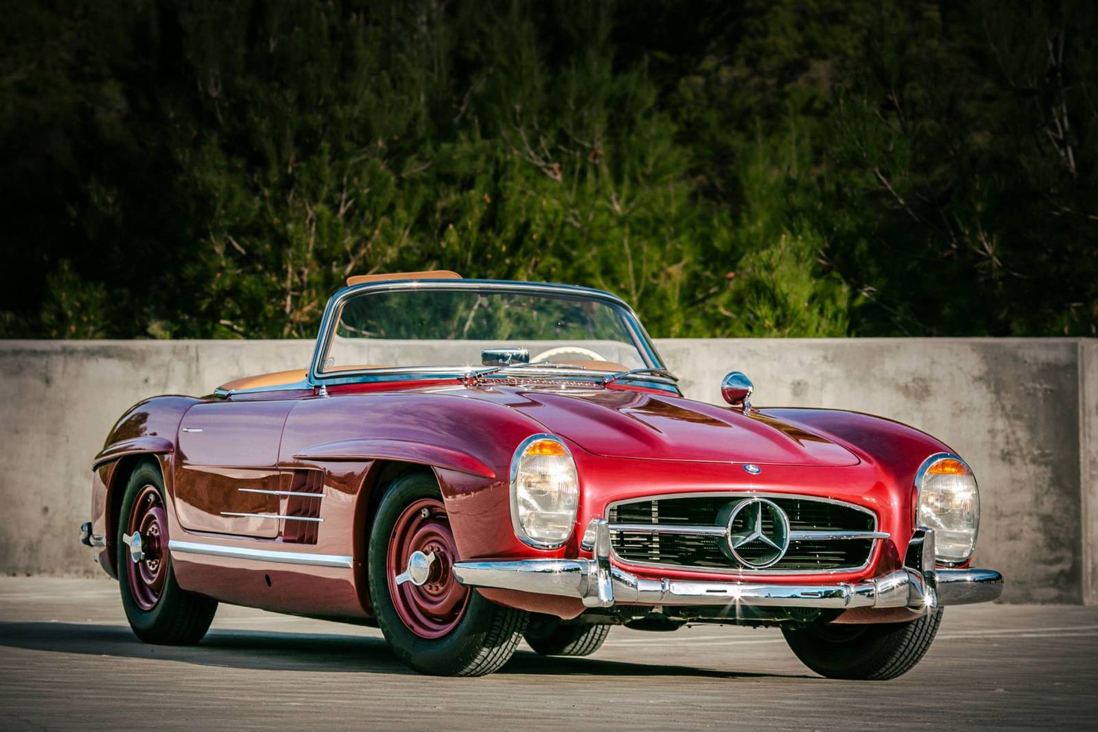 photo of the day strawberry red 1957 mercedes benz 300 sl roadster gtspirit. Black Bedroom Furniture Sets. Home Design Ideas