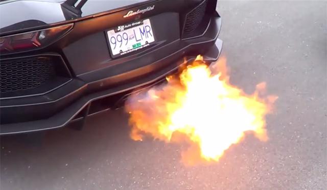 Video: Pur Lamborghini Aventadors Spits Flames in Vancouver!