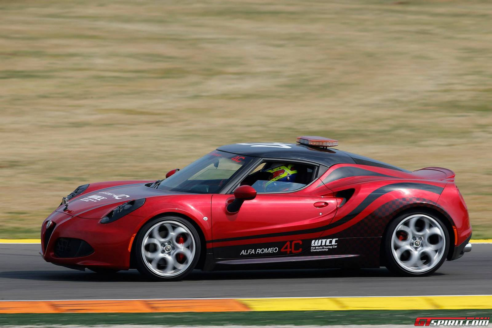 alfa romeo 4c at wtcc pre season tests in valencia gtspirit. Black Bedroom Furniture Sets. Home Design Ideas