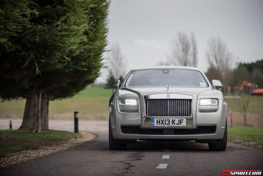 A Plug-In Hybrid Rolls-Royce is Inevitable