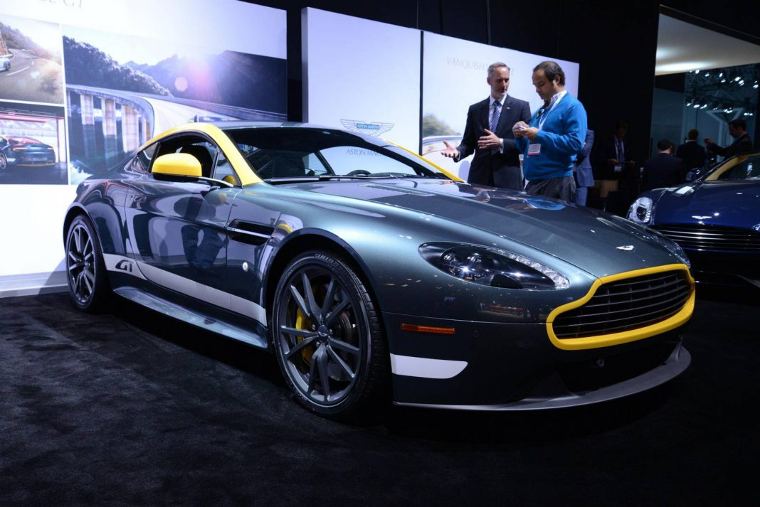 New York 2014: Aston Martin V8 Vantage GT and DB9 Carbon Edition