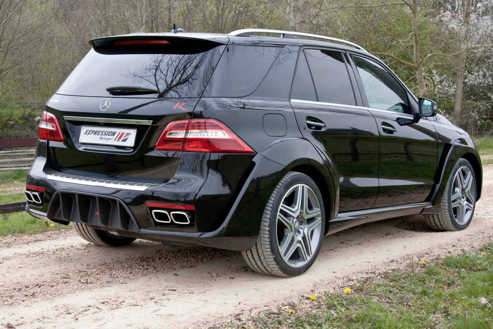 official mercedes benz ml 63 amg wide body r by expression motorsport gtspirit. Black Bedroom Furniture Sets. Home Design Ideas