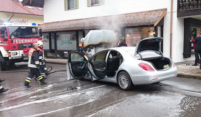 Brand New Mercedes-Benz S350 BlueTec Destroyed Following Engine Fire