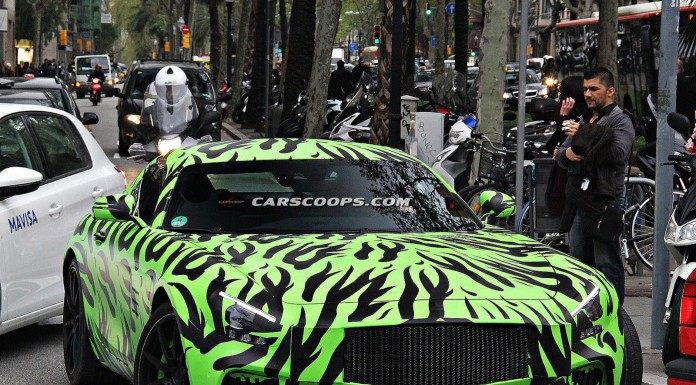2016 Mercedes-Benz AMG GT Tests in Bright Green Camo