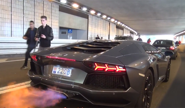 Video: Lamborghini Aventadors Spitting Ferocious Flames