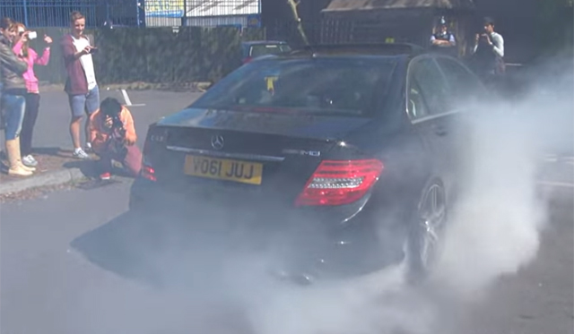 Video: Crazy Mercedes-Benz C63 AMG Burnout!