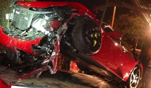 Ferrari 458 Italia Mysteriously Crashes in London
