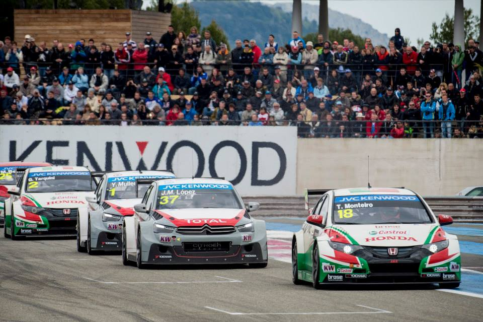 FIA WTCC: Citroen Dominates Race of France Flawless