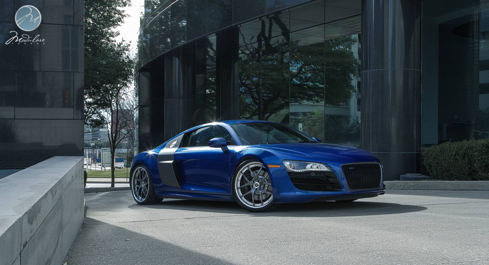 beautiful blue audi r8 v10 on modulare wheels gtspirit. Black Bedroom Furniture Sets. Home Design Ideas