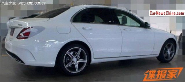 Long-Wheelbase Mercedes-Benz C-Class Snapped Before Beijing Motor Show