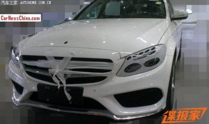 Long-Wheelbase Mercedes-Benz C-Class Snapped Before Beijing Motor Show
