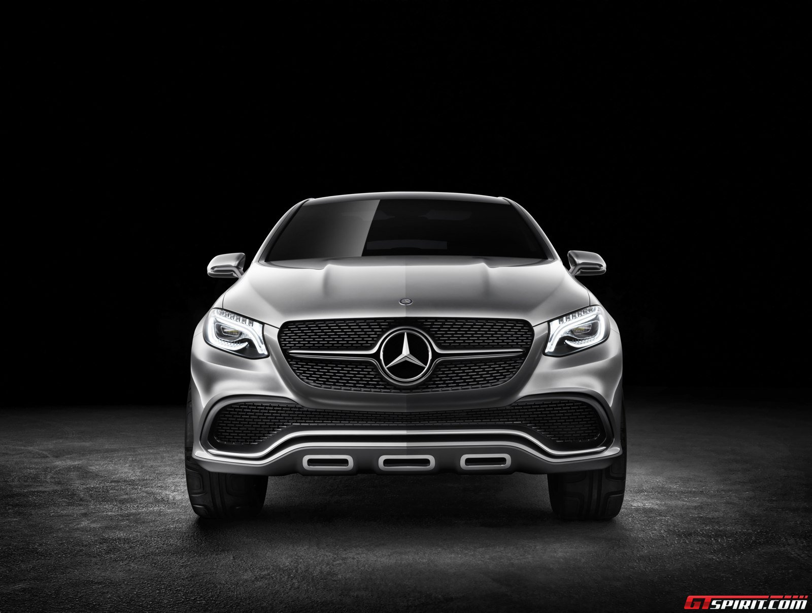 Official mercedes benz concept coup suv gtspirit for Mercedes benz coupe suv