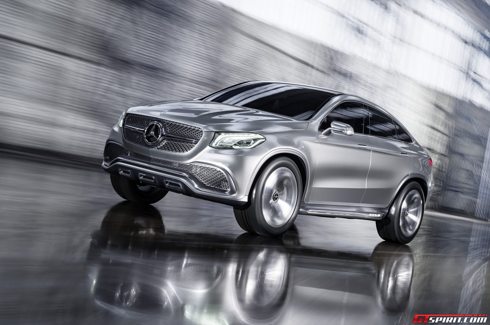 Official mercedes benz concept coup suv gtspirit for Mercedes benz suv coupe