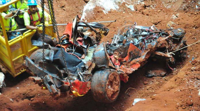 Final Corvette Rescued From Sinkhole; Looks Unrecognisable