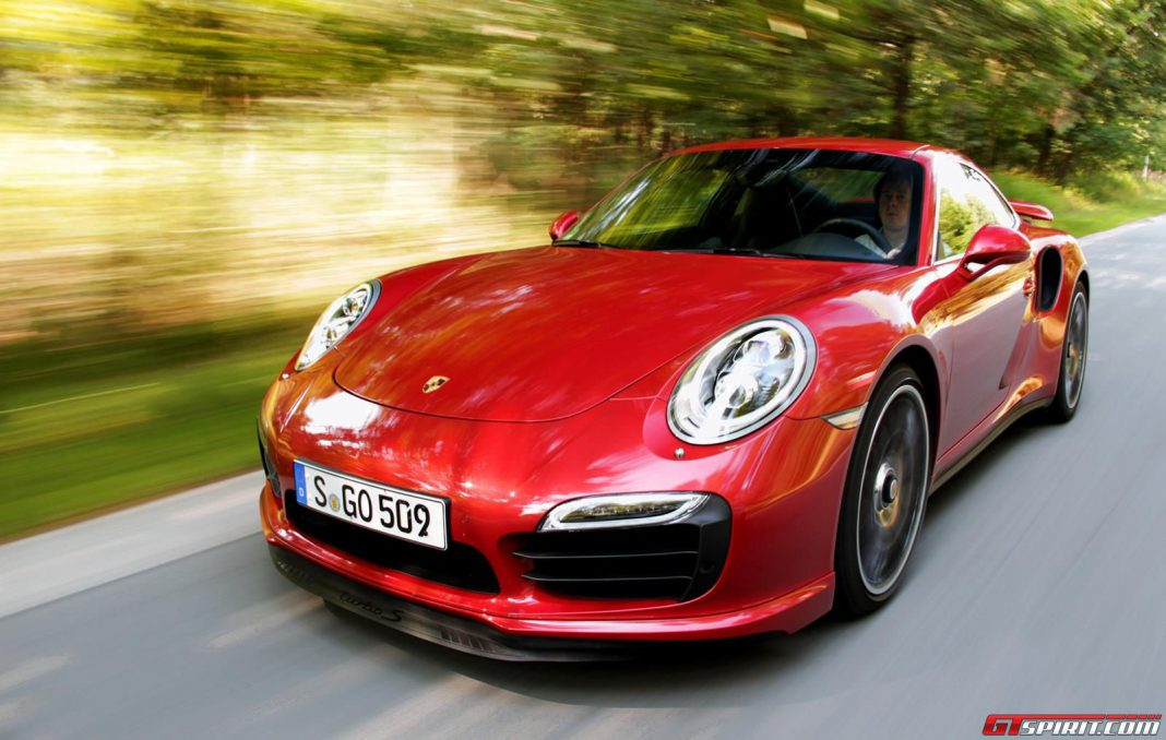 700hp Hybrid Porsche 911 Turbo S Could be in the Works