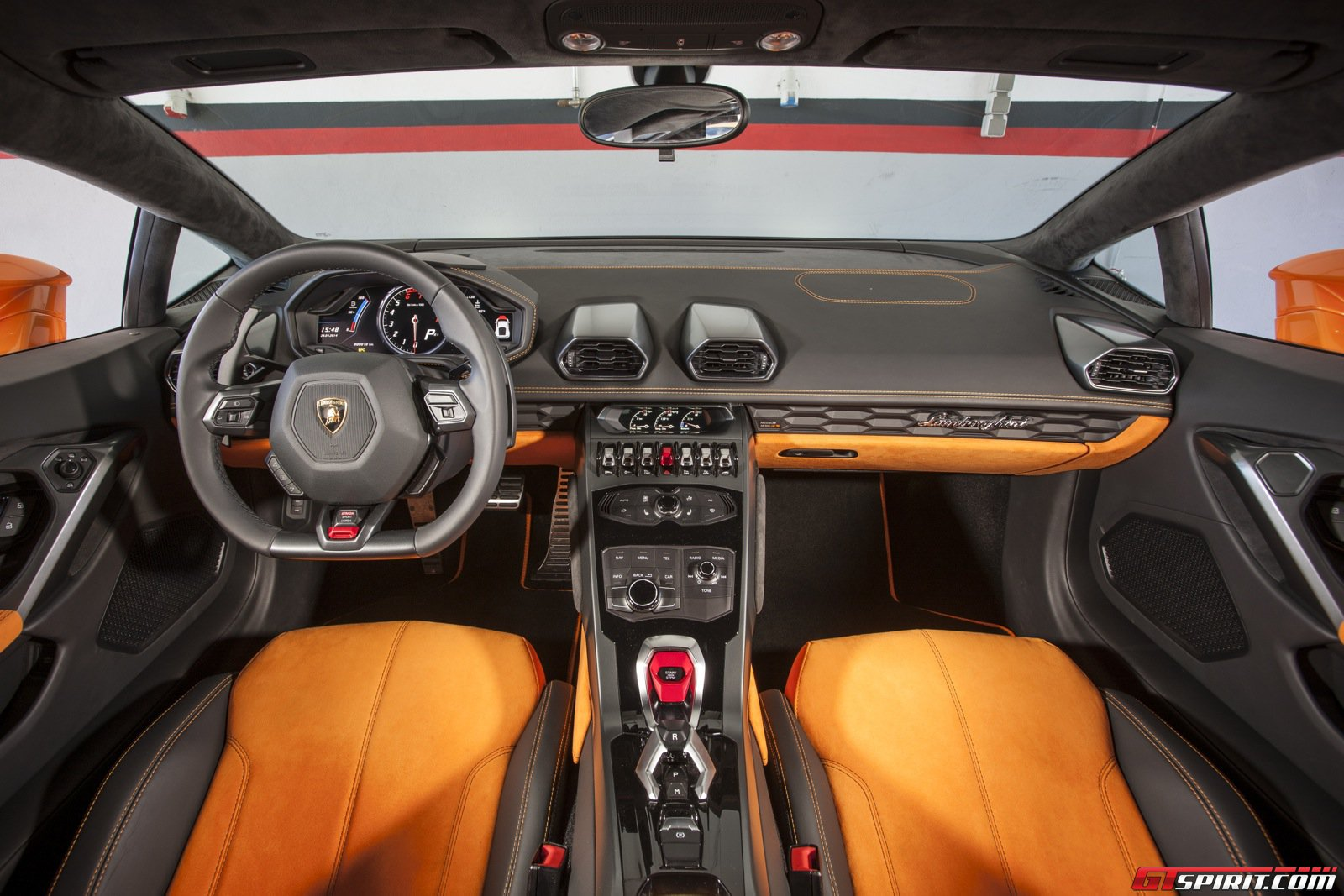 2015 lamborghini huracan review gtspirit. Black Bedroom Furniture Sets. Home Design Ideas