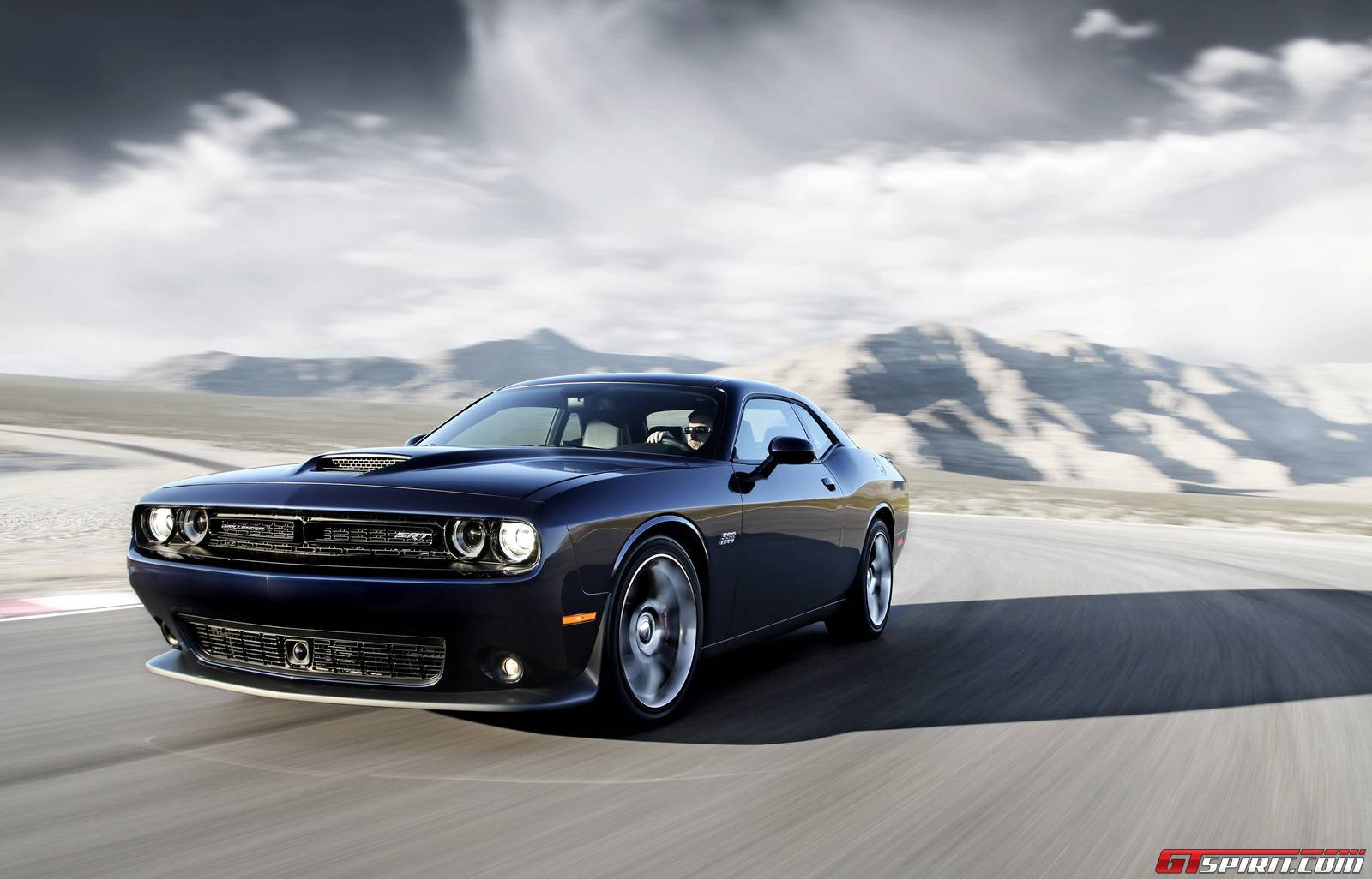 official 2015 dodge challenger srt hellcat gtspirit. Black Bedroom Furniture Sets. Home Design Ideas
