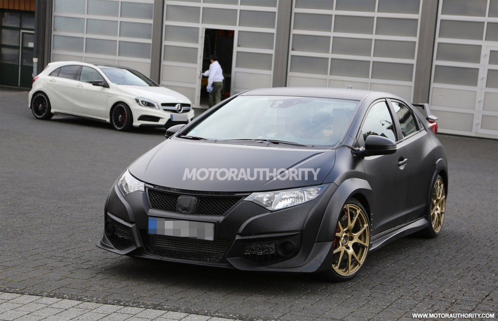 2015 honda civic type r spied testing against a45 amg. Black Bedroom Furniture Sets. Home Design Ideas