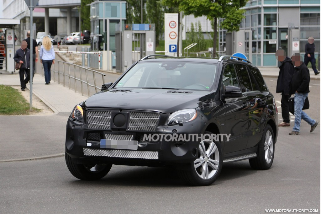 2016 Mercedes-Benz M-Class Snapped Testing