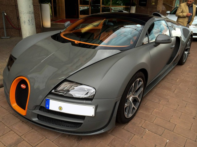 matte grey bugatti veyron grand sport vitesse in stuttgart gtspirit. Black Bedroom Furniture Sets. Home Design Ideas