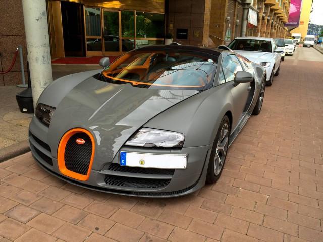 Matt Grey Bugatti Veyron Grand Sport Vitesse